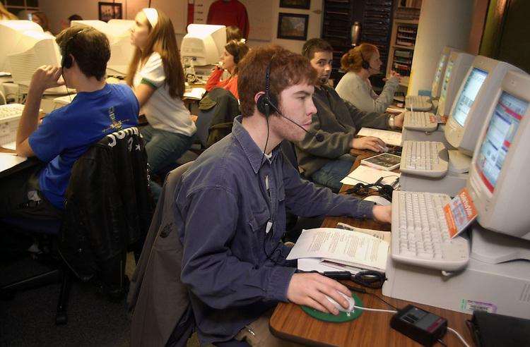15834Phonathon .Ohio University students contact OU alumni during their Phonothan jobs in McCraken Hall.