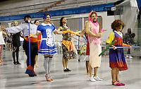 SÃO PAULO, SP, 10 DE FEVEREIRO DE 2012 - ENSAIO VAI-VAI -  integrantes durante ensaio técnico da Escola de Samba Vai -Vai na preparação para o Carnaval 2012. O ensaio foi realizado na noite desta sexta feira 10 no Sambódromo do Anhembi, zona norte da cidade.FOTO ALE VIANNA - NEWS FREE