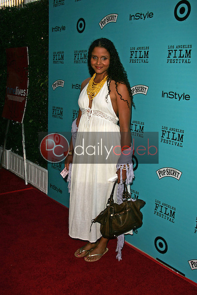 """Sydney Poitier<br /> at the premiere of """"Nine Lives,"""" Academy of Motion Picture Arts and Sciences, Beverly Hills, CA 06-21-05<br /> David Edwards/DailyCeleb.Com 818-249-4998"""