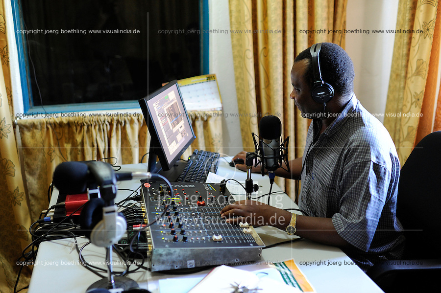 SUED-SUDAN  Bahr el Ghazal region , Lakes State, Rumbek , Fr. Don Bosco Ochieng Onyalla, <br /> Leiter von Radiostation Good News Radio der katholischen Kirche / SOUTH SUDAN  Bahr al Ghazal region , Lakes State, town Rumbek Don Bosco Ochieng Onyalla, <br /> at Radiostation Good News Radio of catholic church