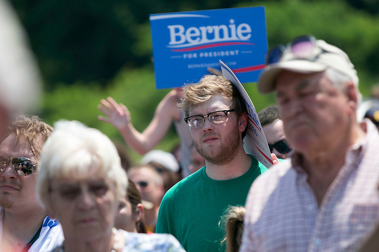 UNITED STATES - August 16: Supporters listen as Sen. Bernie Sanders, D-Vt., speaks at the Scott County Democrats Picnic in the Park in Eldridge, Iowa, on Sunday, August 16, 2015. (Photo By Al Drago/CQ Roll Call)