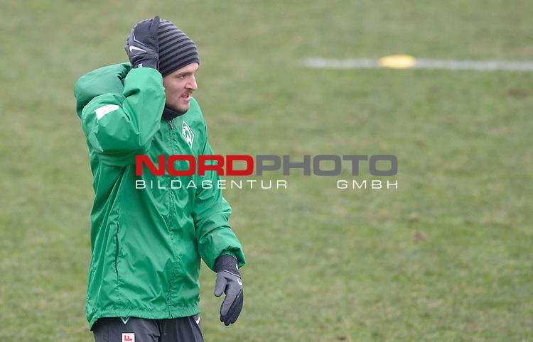 29.01.2014, Trainingsgelaende, Bremen, GER, 1.FBL, Training Werder Bremen, im Bild Aleksandar Ignjovski (Bremen #17)<br /> <br /> Foto &copy; nordphoto / Frisch