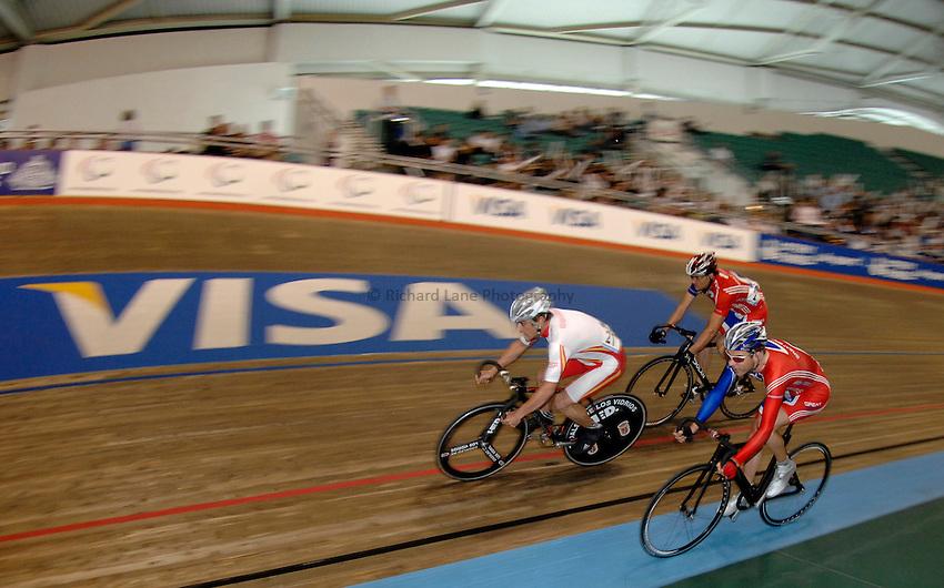 Photo: Richard Lane..VISA Paralympic World Cup 2007. Track Cycling. 11/05/2007. .7.5km scratch race, male.