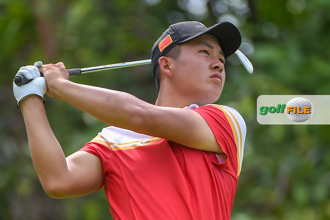 Yuxin LIN (CHN) watches his tee shot on 7 during Rd 4 of the Asia-Pacific Amateur Championship, Sentosa Golf Club, Singapore. 10/7/2018.<br /> Picture: Golffile   Ken Murray<br /> <br /> <br /> All photo usage must carry mandatory copyright credit (© Golffile   Ken Murray)