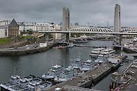 France, Bretagne, (29), Finistère, Brest:  Musée National de la Marine - Château de Brest - Vue sur Base Navale et Arsenal de Brest, Quais de la Penfeld, Tour Tanguy et Pont de Recouvrance
