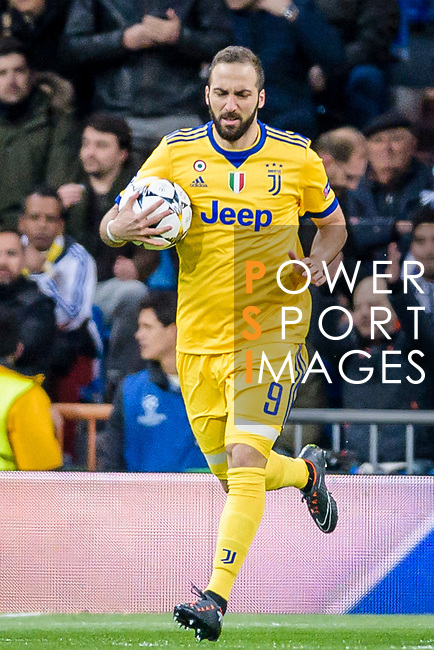 Gonzalo Higuain of Juventus reacts during the UEFA Champions League 2017-18 quarter-finals (2nd leg) match between Real Madrid and Juventus at Estadio Santiago Bernabeu on 11 April 2018 in Madrid, Spain. Photo by Diego Souto / Power Sport Images