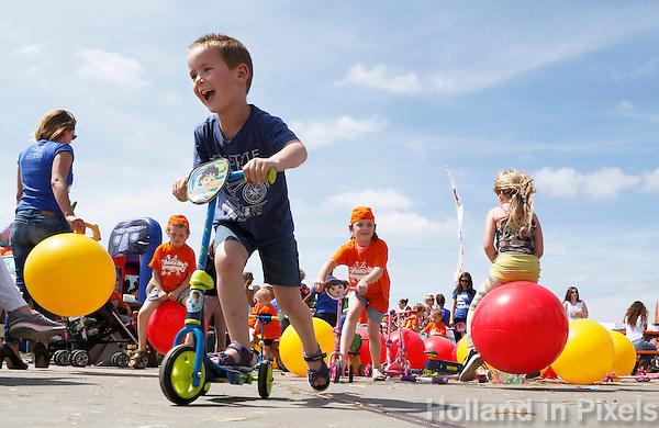 Nederland Amsterdam  2016 .  Jaarlijkse Buitenspeeldag bij de NDSM Werf. Foto Berlinda van Dam / Hollandse Hoogte