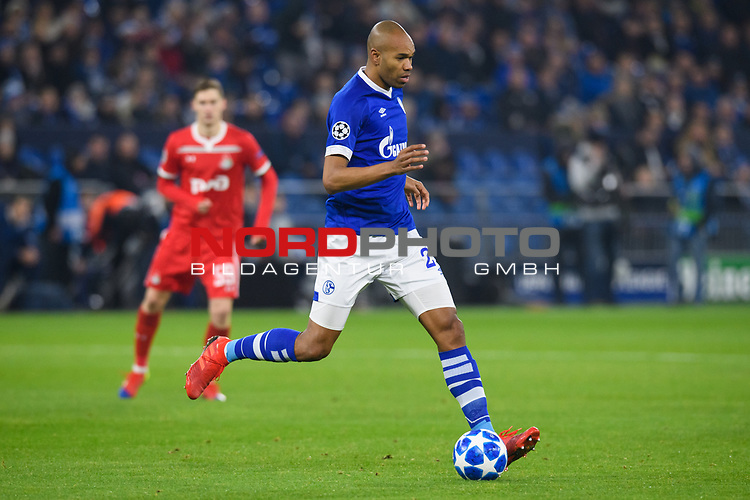 11.12.2018, VELTINS Arena, Gelsenkirchen, Deutschland, GER, UEFA Champions League, Gruppenphase, Gruppe D, FC Schalke 04 vs. FC Lokomotiv Moskva / Moskau<br /> <br /> DFL REGULATIONS PROHIBIT ANY USE OF PHOTOGRAPHS AS IMAGE SEQUENCES AND/OR QUASI-VIDEO.<br /> <br /> im Bild Naldo (#29 Schalke)<br /> <br /> Foto &copy; nordphoto / Kurth