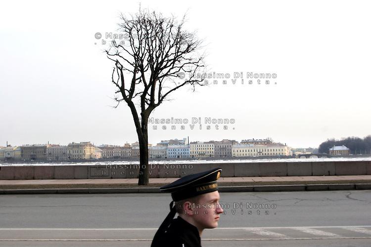 San Pietroburgo: esercitazione degli allievi della scuola marina militare russa