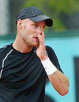 30-5-06,France, Paris, Tennis , Roland Garros, Melle van Gemerden in zijn partij tegen Monaco
