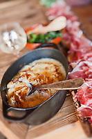 Europe/France/Rhône-Alpes/74/Haute-Savoie/Manigod: Tartiflette au restaurant Chalet Hôtel la Croix Fry