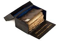 Robert Burns' deathbed bible sells £5k