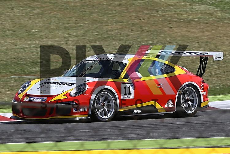 Barcelona, 10.05.15, Motorsport, Porsche Mobil 1 Supercup 2015 : Sam Power (MOMO Megatron Team PARTRAX, #11)<br /> <br /> Foto &copy; P-I-X.org *** Foto ist honorarpflichtig! *** Auf Anfrage in hoeherer Qualitaet/Aufloesung. Belegexemplar erbeten. Veroeffentlichung ausschliesslich fuer journalistisch-publizistische Zwecke. For editorial use only.