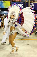 RIO DE JANEIRO, RJ, 20 DE FEVEREIRO 2012 - CARNAVAL 2012 - DESFILE UNIAO DA ILHA  - Rainha Bruna Bruno durante desfile da escola de samba Uniao da Ilha no segundo dia de desfiles das Escolas de Samba do Grupo Especial do Rio de Janeiro, no sambódromo da Marques de Sapucaí, no centro da cidade.  (FOTO: VANESSA CARVALHO - BRAZIL PHOTO PRESS).