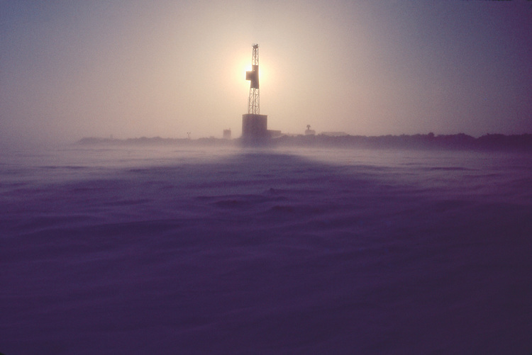 Alaska, Prudhoe Bay, Arctic drilling rig, ARCO Alaska oilfields, Parker Drilling Co. Oilfield for the Trans Alaska Pipeline, spring sunrise, 1978,