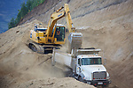 Komatsu PC 200 LC Earth Mover Construction Project &  Dump Truck