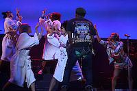 SAO PAULO, SP, 29.03.2015- LOLLAPALOOZA - PHARREL WILLIAMS -   O cantor Pharrel Williams durante do Lollapalooza no Autódromo de Interlagos região sul de São Paulo na noite deste domingo, 29.. Foto: Amauri Nehn/Brazil Photo Press
