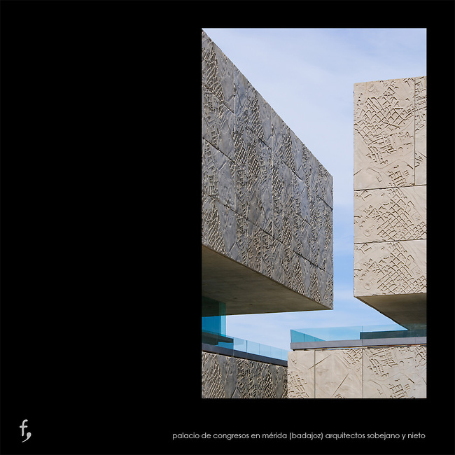 Palacio de Congresos.<br /> M&eacute;rida (Badajoz)<br /> Arquitectos Nieto-Sobejano