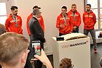 v.l. Mannheims Sinan Akdag (Nr.7), OB Peter Kurz, verdeckt Mannheims Matthias Plachta (Nr.22), Mannheims Marcel Goc (Nr.23), Mannheims David Wolf (Nr.89) und Mannheims Dennis Endras (Nr.44) beim Empfang bei der Stadt Mannheim fuer die Spieler, der olympischen Silbermedaillen Gewinner von den Adlern Mannheim.<br /> <br /> Foto &copy; PIX-Sportfotos *** Foto ist honorarpflichtig! *** Auf Anfrage in hoeherer Qualitaet/Aufloesung. Belegexemplar erbeten. Veroeffentlichung ausschliesslich fuer journalistisch-publizistische Zwecke. For editorial use only.