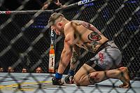 BOSTON, EUA, 18.10.2019 - UFC-BOSTON - Lutadores Court McGee (vermelho) e Sean Brady (azul) durante UFC Fight Night no Td Garden em Boston no Estado de Massachusetts nos Estados Unidos na noite desta sexta-feira, 18. (Foto: Vanessa Carvalho/Brazil Photo Pres/Folhapress)