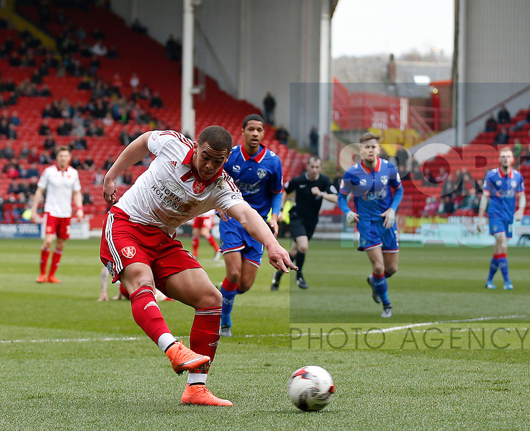 Che Adams of Sheffield Utd gets in a shot on goal during the Sky Bet League One match at The Bramall Lane Stadium.  Photo credit should read: Simon Bellis/Sportimage