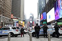 NEW YORK, NY, 04.04.2017 - SEGURANÇA-NEW YORK - Grande quantidade de policiamente é visto na Times Square em New York nesta terça-feira, 04. Lugares de grande concentrações de pessoas tem reforço policial após explosão na estação de São Petersburgo na Rússia ontem dia 03. (Foto: William Volcov/Brazil Photo Press)
