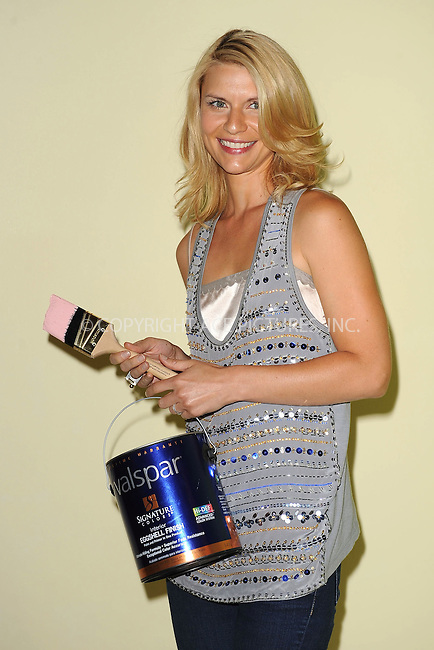 WWW.ACEPIXS.COM . . . . . ....August 17 2010, New York City....Actress Claire Danes does some painting at the launch of Valspar's new Hi-Def Paint at Vanderbilt Hall in Grand Central Terminal on August 17, 2010 in New York City.....Please byline: KRISTIN CALLAHAN - ACEPIXS.COM.. . . . . . ..Ace Pictures, Inc:  ..tel: (212) 243 8787 or (646) 769 0430..e-mail: info@acepixs.com..web: http://www.acepixs.com