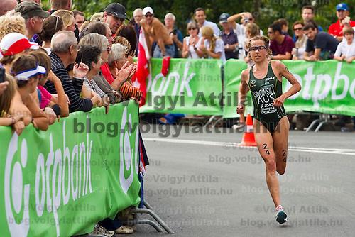 Emma Snowsill (AUS) runs during the ITU women's elite triathlon world championships series final she won in Budapest, Hungary, Sunday, 12. September 2010. ATTILA VOLGYI