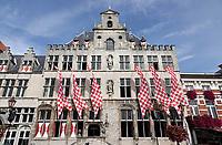 Nederland - Bergen op Zoom - 16 september 2018. Stahuis met de geblokte vlag van Brabant. Op zondag 16 september 2018 vindt in Bergen op Zoom de Brabant Stoet plaats. Dit is een grootst opgezet festival van de lopende cultuur. Deze vorm van cultuur is kenmerkend voor Brabant. In de Brabant Stoet zijn zo'n honderd vormen van lopende (en rijdende) cultuur te zien zoals gilden, fanfares, steltlopers, reuzen, carnaval, ommegangen en praalwagens. De Brabant Stoet wordt samengesteld met groepen uit zowel Noord-Brabant als Vlaams- en Waals-Brabant.   Foto Berlinda van Dam / Hollandse Hoogte