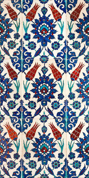 Iznik 01 - Iznik tiles with tulip design, Rustem Pasa Mosque, Eminonu, Istanbul, Turkey
