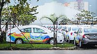 RIO DE JANEIRO, RJ, 01.07.2016 - RIO-2016 - Grande frota de veículos, na sua maioria da marca Nissan, que serão usados a partir de agosto durante o período dos jogos Olímpicos e Paralímpicos do Rio de Janeiro, estacionados no pátio do maior centro de convenções da América Latina, Rio centro, na zona oeste da cidade, na tarde dessa sexta-feira, 01. (Foto: Jayson Braga / Brazil Photo Press)