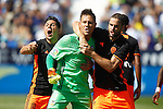Valencia CF's Diego Alves (c), Enzo Perez (l) and Mario Suarez celebrate during La Liga match. September 25,2016. (ALTERPHOTOS/Acero)