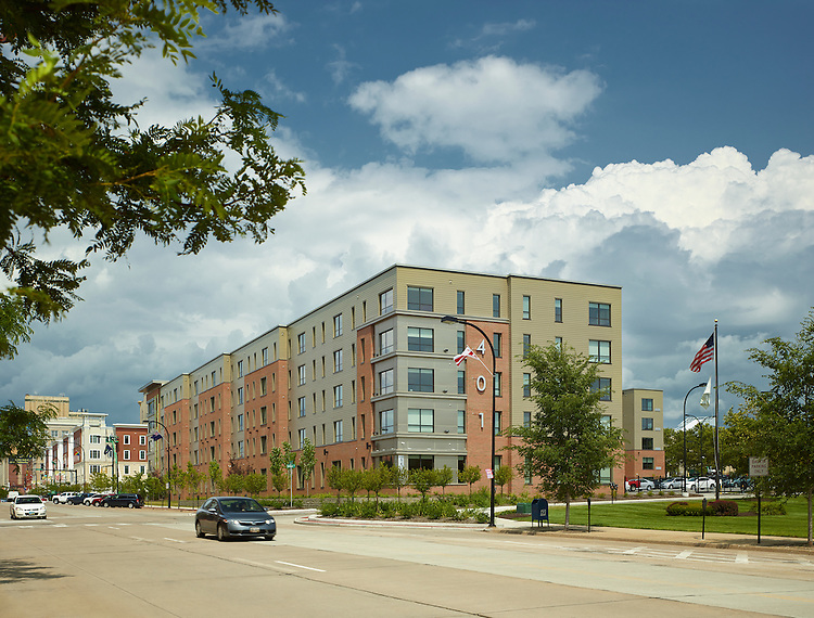 University of Akron 401 Lofts Off-Campus Student Housing   Bialosky & Partners Architects