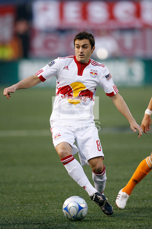 Sinisa Ubiparipovic (8) of the New York Red Bulls. The New York Red Bulls and the Houston Dynamo played to a 1-1 tie during a Major League Soccer match at Giants Stadium in East Rutherford, NJ, on May 16, 2009.