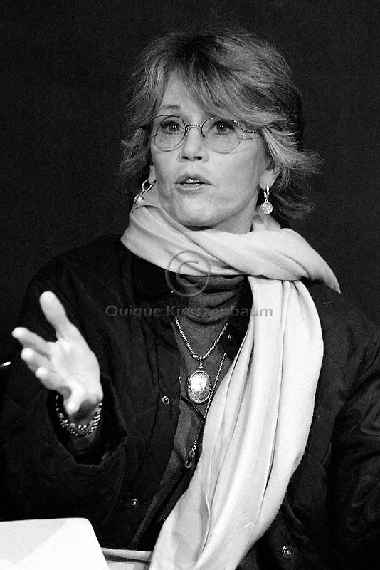 American actress Jane Fonda talks to young Palestinians at the Ashatar theater in Ramalah, December 21, 2002. Photo by Quique Kierszenbaum