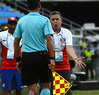 SANTA MARTA- COLOMBIA, 03-08-2019: Pedro Sarmiento director técnico del Unión Magdalena  ante el Independiente Medellín durante partido por fecha 4 de la Liga Águila II 2019 jugado en el estadio Sierra Nevada de la ciudad de Santa Marta. / Pedro Sarmiento cach of  Union Magdalena   against of Independente Medellin during match for the date 4 as part of the  Aguila League  II 2019 played at the Sierra Nevada Stadium in Santa Marta  city. Photo: VizzorImage / Gustavo Pacheco / Contribuidor