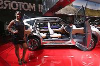 SAO PAULO, SP, 28.10.2014 - SALAO DO AUTOMOVEL - Apresentacao dos lancamentos do Salão Internacional do Automóvel de São Paulo, nesta terca-feira,28 no Anhembi, na zona norte de São Paulo, SP. O evento acontece do dia 30 de outubro até o dia 9 de novembro. (Foto: Vanessa Carvalho / Brazil Photo Press).