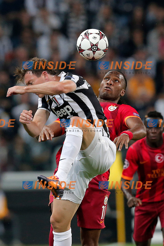 Stephan Lichsteiner Juventus, Didier Drogba Galatasaray,<br /> Torino 02-10-2013<br /> Juventus Stadium <br /> Football Calcio 2013/2014 Champions League <br /> Juventus - Galatasaray<br /> Foto Marco Bertorello Insidefoto