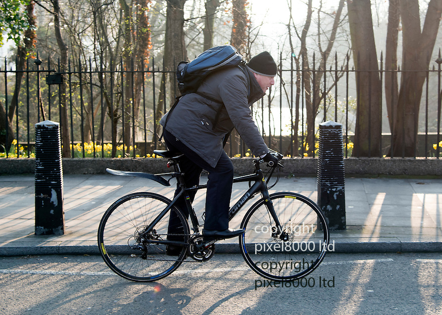 Pic shows: Brexit champion Boris Johnson leaves his home in Islington today 17.3.16 the day after the pro EU budget from George Osborne<br /> <br /> he used his bicycle to cycle to work  - perhaps proving that cycling does not make you thin - despite today's survey.<br /> <br /> <br /> <br /> <br /> picture by Gavin Rodgers/ Pixel