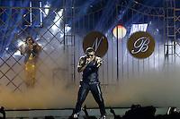 """SAO PAULO, 03 DE JULHO DE 2013. SHOW NALDO. O cantor Naldo durante a gravação do dvd """"multishow ao vivo - Naldo Benny"""". A gravaçao aconteceu na noite desta quarta feira no Credicard Hall, na zona sul da capital paulista. FOTO ADRIANA SPACA/BRAZIL PHOTO PRESS"""