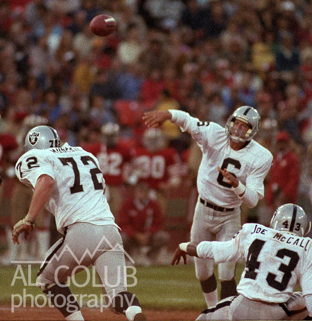 San Francisco 49ers vs. Los Angles Raiders at Candlestick Park Saturday, August 4, 1984..Pre-season Game. .Los Angles Raiders Quarterback Marc Wilson (6).