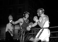 Roma  .Incontro  di boxe dilettanti a Piazza San Cosimato per la Festa De 'Noantri.Melis (Frontaloni) vs Rocchetti (A.S. Colonna).