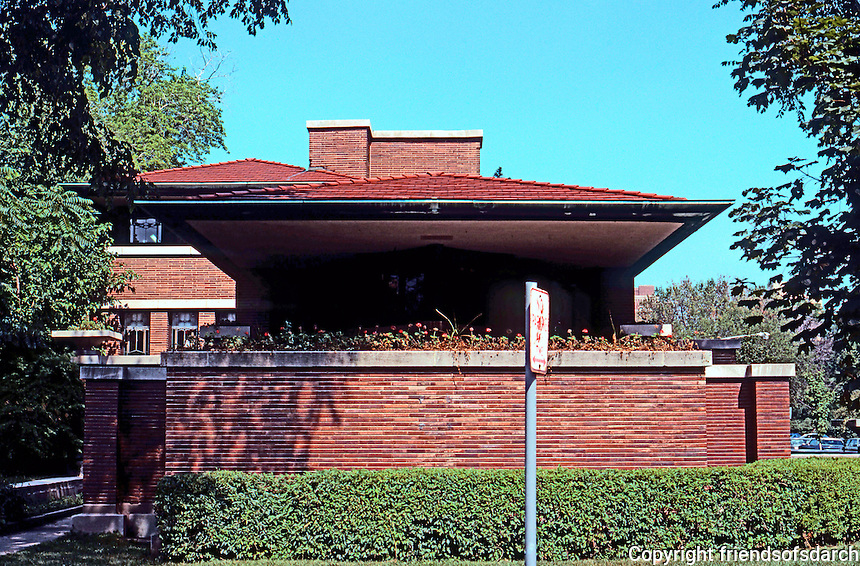 F.L. Wright: Robie House, Dearborn Street.  Photo '76.