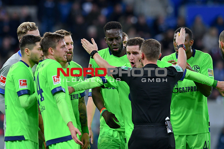 01.12.2018, wirsol Rhein-Neckar-Arena, Sinsheim, GER, 1 FBL, TSG 1899 Hoffenheim vs FC Schalke 04, <br /> <br /> DFL REGULATIONS PROHIBIT ANY USE OF PHOTOGRAPHS AS IMAGE SEQUENCES AND/OR QUASI-VIDEO.<br /> <br /> im Bild: Sebastian Rudy (FC Schalke 04 #13), Guido Burgstaller (FC Schalke 04 #19), Bastian Oczipka (FC Schalke 04 #24), Salif Sane (FC Schalke 04 #26), Haji Wright (FC Schalke 04 #40), Nabil Bentaleb (FC Schalke 04 #10) diskutieren nach dem Elfmeterpfiff mit Schiedsrichter Dr. Robert Kampka<br /> <br /> Foto © nordphoto / Fabisch