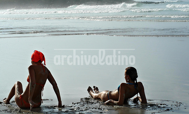 Playas de Atacames.+turismo*Beach in Atacames.+tourism