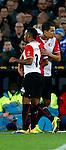 Nederland, Rotterdam, 30 oktober 2013<br /> KNVB Beker<br /> Seizoen 2013-2014<br /> Feyenoord-HSV Hoek<br /> Samuel Armenteros (l.) wordt gewisseld voor Mitchell te Vrede (r.) van Feyenoord.