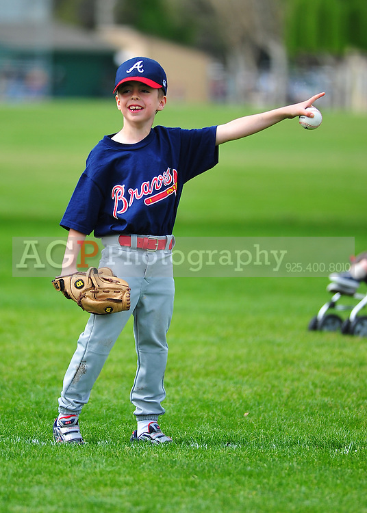 The Pleasanton National Little League T-Ball Braves  at the Pleasanton Sports Park Saturday March 20, 2010. (Photo by Alan Greth)