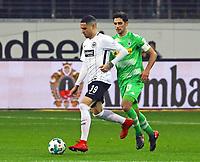 Omar Mascarell (Eintracht Frankfurt) gegen Lars Stindl (Borussia Mönchengladbach) - 26.01.2018: Eintracht Frankfurt vs. Borussia Moenchengladbach, Commerzbank Arena