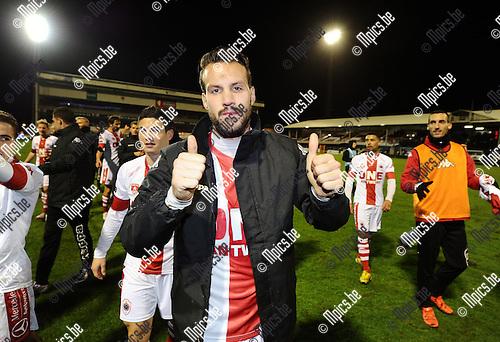 2016-01-30 / Voetbal / Seizoen 2015-2016 / R. Antwerp FC - KSK Heist / Antwerp viert de overwinning. Hier de maker van de 1-0, Mathieu Cornet<br /> <br /> Foto: Mpics.be