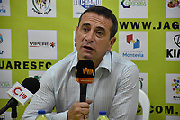 MONTERIA - COLOMBIA, 19-08-2018: Guillermo Sanguinetti, técnico del Santa Fe, en rueda de prensa después del partido entre Jaguares de Córdoba y Independiente Santa Fe por la fecha 5 de la Liga Águila II 2018 jugado en el estadio Municipal de Montería. / Guillermo Sanguinetti, coach of Santa Fe, in a press  conference after the match between Jaguares of Cordoba and Independiente Santa Fe for the date 5 of the Liga Aguila II 2018 at the Municipal de Monteria Stadium in Monteria city. Photo: VizzorImage / Andres Felipe Lopez / Cont